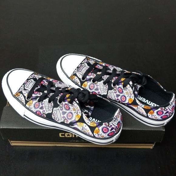 36d2b1a57a9 Converse sugar skull sneakers size 6 womens/4 mens NWT